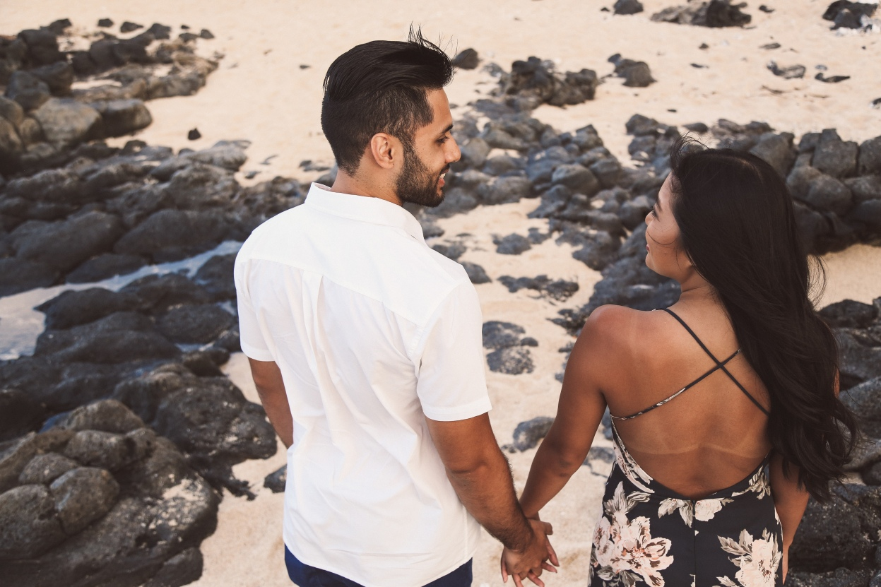 hawaii beach proposal - chelsea de castro